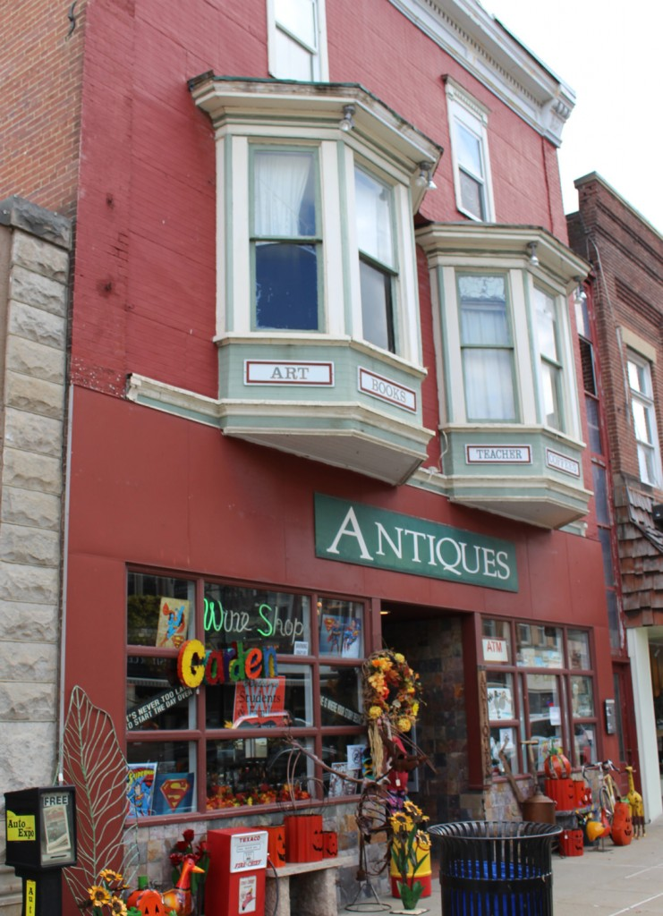 Antiques and Wine Store
